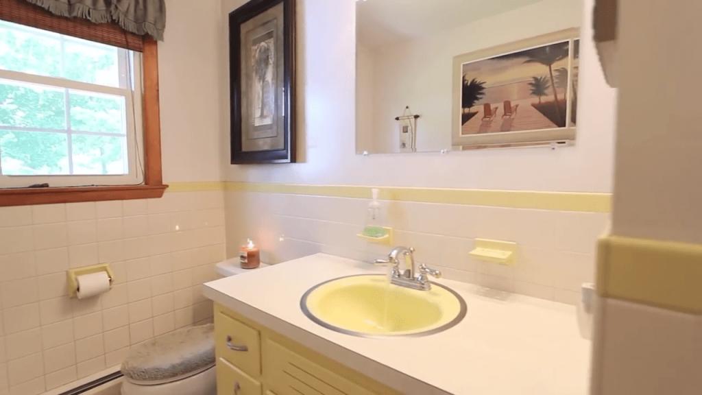 Winthrop MA bathroom cleaning